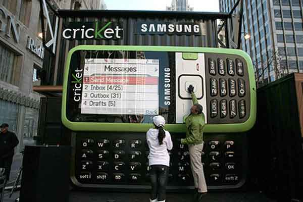 Biggest Working Mobile Phone in the World Talk Cock Sing Song
