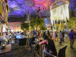 Liquor Licensing Hours Cut at Clarke Quay Talk Cock Sing Song