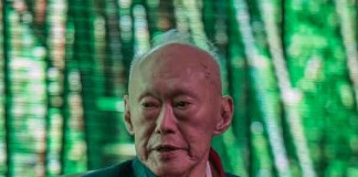 Lee Kuan Yew airs Concern about Malaysia Iskandar Talk Cock Sing Song