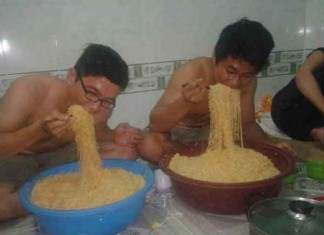 On Diet but are Hungry and feel like eating Noodle Talk Cock Sing Song