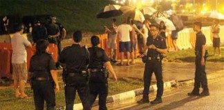 Buangkok Residents Stand-Off with AVA Talk Cock Sing Song