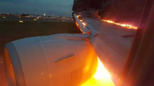 SIA Flight Emergency Landing in Singapore due to Engine Caught Fire Talk Cock Sing Song